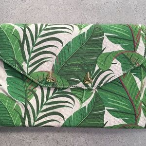 Tropical print Stella & Dot clutch, never used.